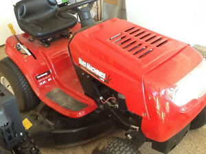 13.5HP MTD YARD MACHINES RIDING MOWER $750 LIKE NEW