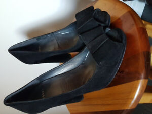 Ladies shoes size 8