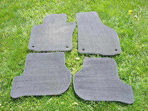 Volkswagen / VW Golf GTI Mk5 / Mk6 factory carpet floor mats