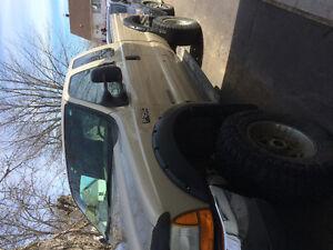 2001 Ford F-250 Pickup Truck