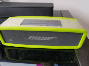 Bose Sound Link Mini with case and charger +  cradle for sale