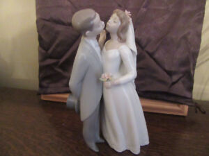A Kiss to Remember Figurine