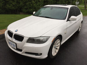 2011 BMW 3-Series 328 xi - EXECUTIVE PACKAGE