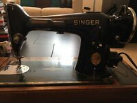 Vintage EC663564 Singer Knee Lever/ Control Sewing Machine with Case