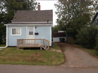 COZY 1 BEDROOM HOUSE. HEAT AND LIGHTS INCLUDED. AVAIL DEC 1ST