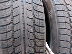 size 215 60 16      2 Winter tires in good condition with rims. Peterborough Peterborough Area image 5