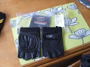 Insulated and non-insulated riding Gloves St. John's Newfoundland image 6
