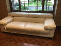 ITALIAN LEATHER couch // Sofa en CUIR ITALIEN
