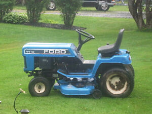 Ford  YT 16  Lawn Tractor