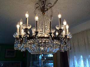 Grand Lustre antique en cristal