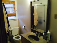 SW Downtown condo rent 1km south of Calgary tower LRT UTIL incl