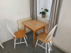 1970s extendable table & two chairs