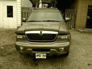 2001 Lincoln Navagator AS is or PARTING OUT