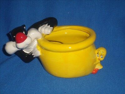 Warner Bros Looney tunes Sylvester and Tweety Planter Container [11]