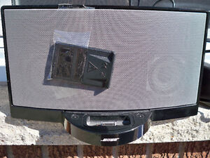 BOSE I PHONE DOCK  SUITABLE FOR UP TO I PHONE 6 WITH REMOTE Stratford Kitchener Area image 1