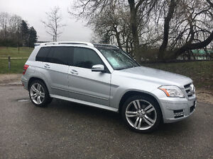 2011 Mercedes GLK350 ♢ Only 72,000 KM ♢ Local & Accident-Free!