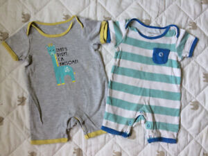 Baby clothes 12months.