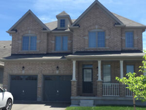 EXECUTIVE  OVER 3000 SQ. FT. HOUSE FOR RENT IN NIAGARA FALLS