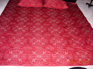Beautiful Mint Condition Bedspread and Shams - 90 x 102