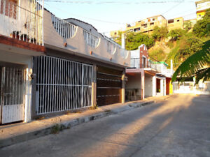 For rent room in Los Pinos, 5 min from the beach...