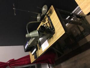 industrial Sewing Machine /Machine à coudre Insdustrielle