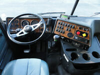 International 9800 C.O.E Truck Tractor Walk-In Highrise