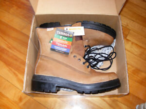 NEW in box MENS STEEL TOE WORK BOOTS EXCELLENT QUALITY!