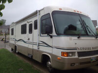1996 CruiseMaster 31 Ft Motorhome