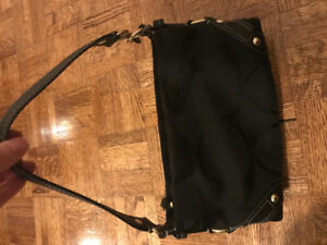 Coach shoulder Bag. Black with signature C