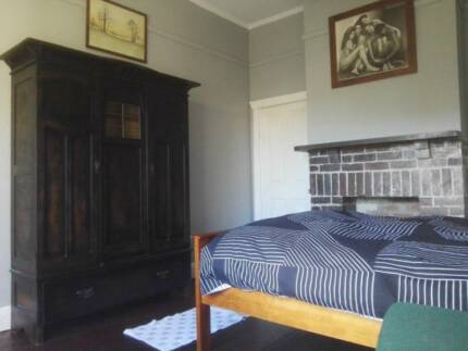 Large Room Semaphore Beach all utilities included unlimited nbn