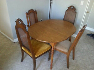 Lovely 4-chair dining set