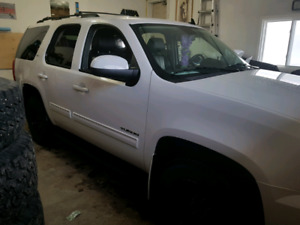 Perfect family unit! 14 gmc yukon slt 4x4