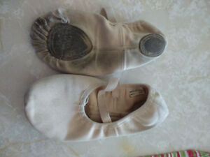 Ballet slippers sz 2.5