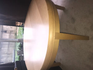 Round Maple wood coffee table. Perfect condition!