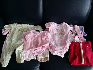 Huge Lot of Baby Girls 3-6 Month Clothing - Over 25 Pieces!