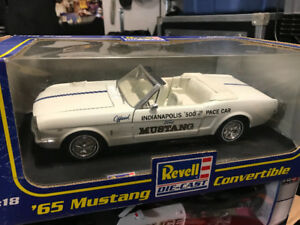 Ford Mustang 1965 pace car diecast 1/18 die cast