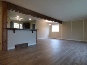***PRICE REDUCED*** FULLY RENOVATED LUXURY HOME IN MATURE AREA!