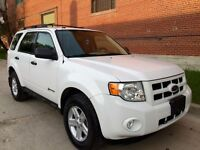 2009 Ford Escape Hybrid, Low kms, MB SUV, Safetied