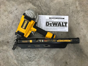 Cloueuse pneumatique charpente Dewalt D51825