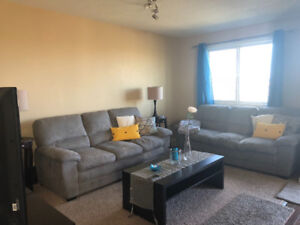 3 Bedroom West Side Duplex! Great for Students!