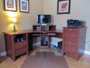 Excellent Quality & Condition Office Furniture