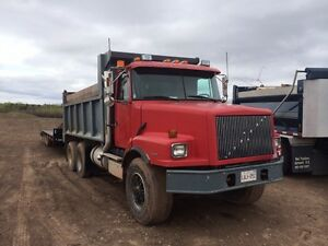 1998 Volvo dump....MAKE ME AN OFFER!!