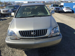 lexus 1998 for parts. parting out parts pls call us.