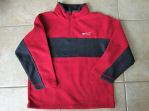 Boys Size 5/6 Children's Place Fleece Shirt