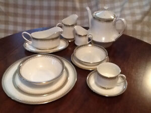 Paragon,Royal Doulton china dishes for sale.