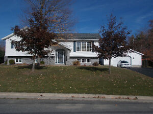 IMMACULATE HOME waiting for you!!  Minutes away from downtown!!
