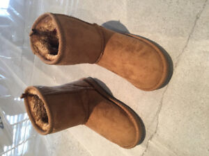 Girl boots UGG style - new