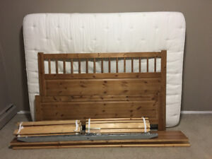 Classic Wood Framed Queen Size Bed