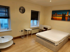 STUDIO FLATS OR 1 BEDROOM APARTMENT