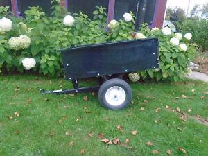 Remorque dompeur pour tracteur a gazon 41`` X 33`` X 13``